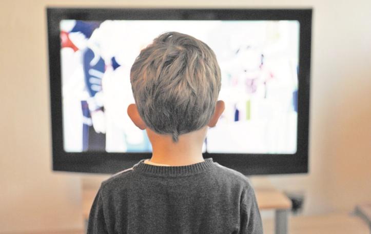 L'écran assassin : Télé, téléphone portable et autres tablettes nuisent gravement à l'équilibre mental de l'enfant