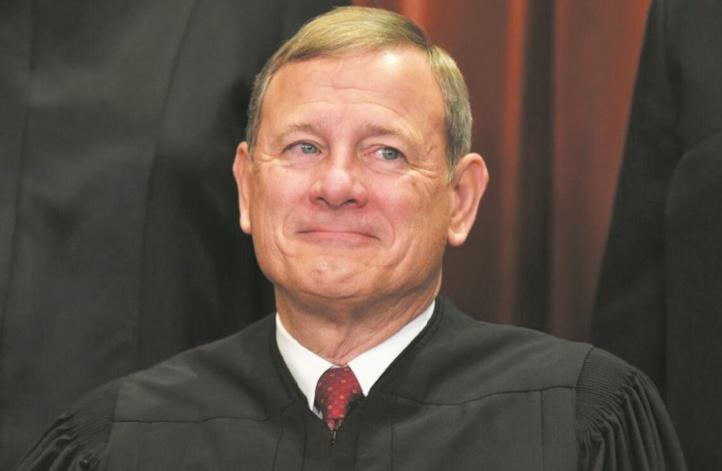 "John Roberts, juge ""arbitre"" au procès de Trump"