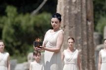Le relais de la flamme olympique démarre dans une Grèce en crise