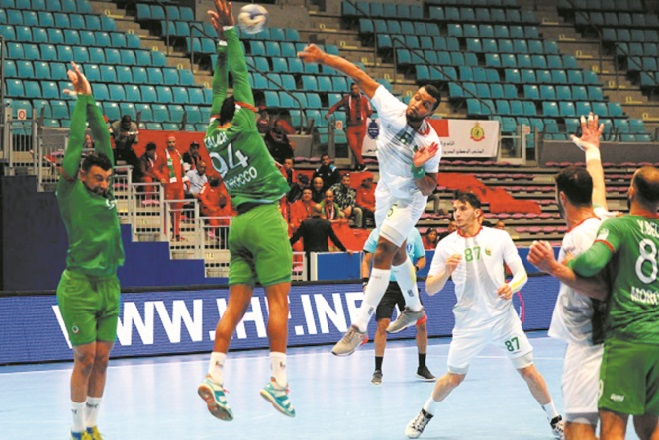 CAN de handball : Le Sept national s'incline devant l'Algérie et hérite de la Tunisie au tour principal