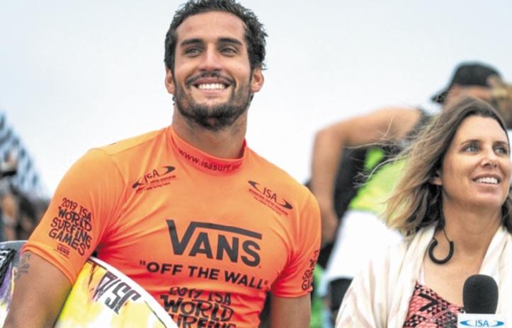 Le surfeur Boukhiam fier de représenter le Maroc, le monde arabe et l'Afrique aux JO 2020