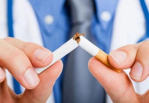Arrêter de fumer 4 semaines avant une opération réduit le risque de complications