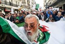 Après un an, le Hirak algérien  s'engage à unifier ses forces