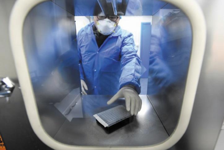 La mort du médecin lanceur d'alerte du coronavirus provoque la colère en Chine