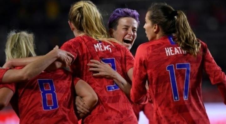 Soutien des footballeurs américains envers leurs homologues féminines