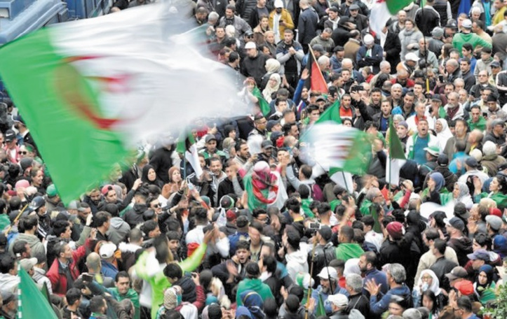 Après un an d'existence, le Hirak algérien s'interroge sur son avenir