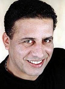 Mehdi Abdou embarque son «navire de la paix»
