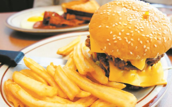 Manger gras et sucré dérègle le cerveau en à peine une semaine