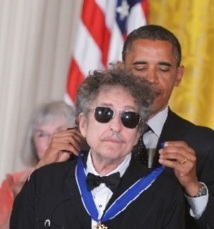 Obama décore Dylan