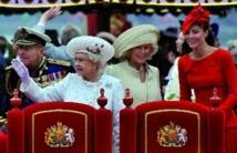 En hommage aux 60 ans de règne d'Elizabeth : Incroyable armada s'empare de la Tamise pour le Jubilé