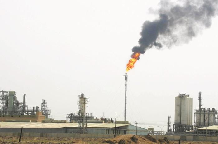 Le pétrole s'effondre en Asie après une guerre des prix lancée par Riyad