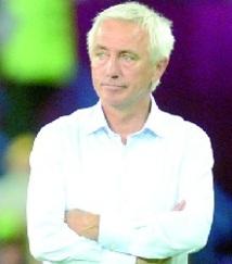 """Van Marwijk: """"Notre équipe a été meilleure que le Danemark"""""""