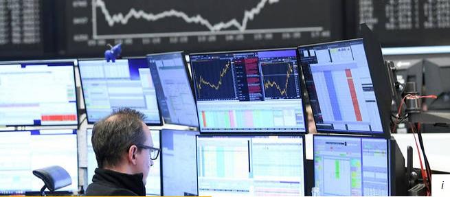 Face au krach boursier, faut-il fermer les marchés financiers ?