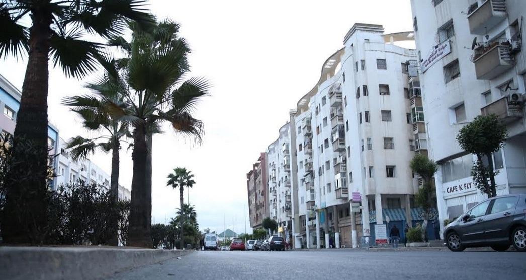 Commerces fermés et artères vides à Tanger