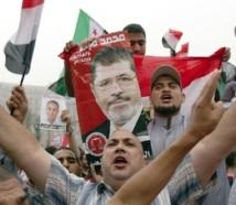 L'Egypte sous tension :  Mohammad Morsi et Ahmad Chafik revendiquent chacun la victoire