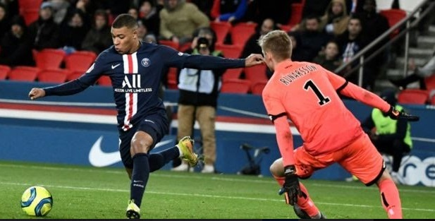 L'incertitude gagne le football français