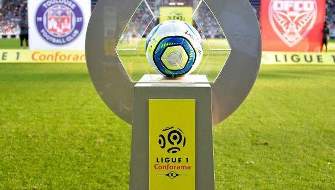 Clubs et joueurs de foot du championnat de France d'accord pour baisser les salaires