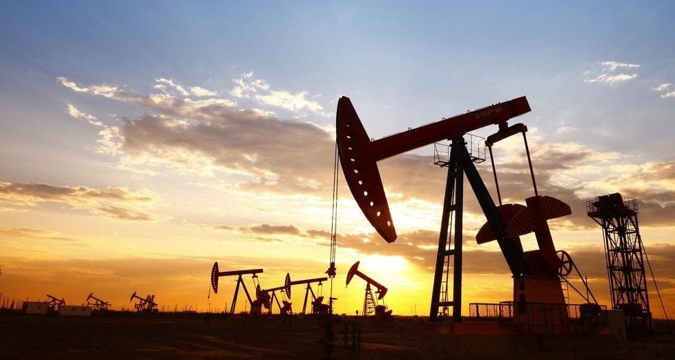 Le pétrole rebondit, l'Europe assouplit ses restrictions