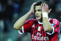 En attendant Ibrahimovic: Thiago Silva a signé au PSG