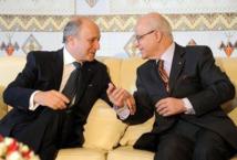 Fabius à Alger pour sa première visite dans un pays arabe