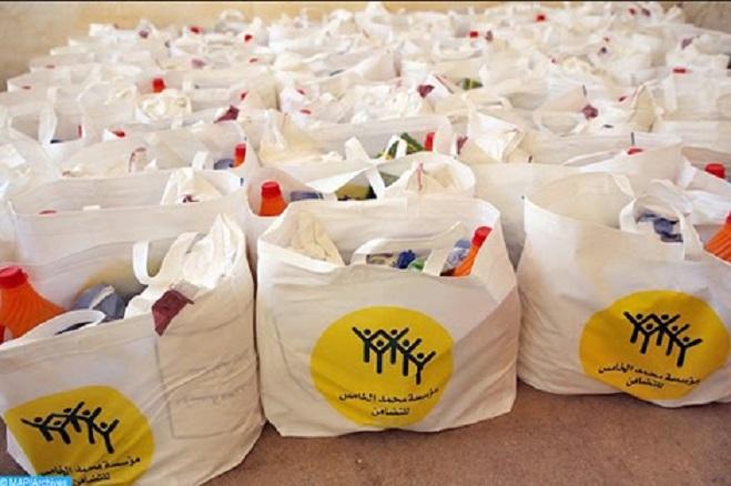 L'opération de distribution alimentaire du Ramadan se poursuit sur les chapeaux de roues