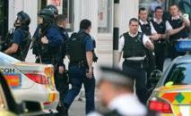 Grande-Bretagne: Quatre personnes accusées d'actes de terrorisme