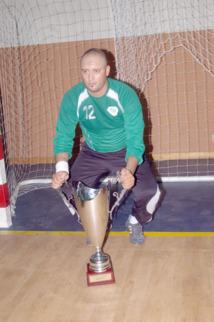 """Mohammed El Idrissi Laâdam, gardien de but du Mouloudia de Marrakech, section handball: """"Une saison inoubliable"""""""