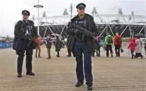 L'armée demande à 1.200 militaires de se tenir prêts