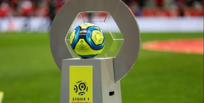 Sans revenus, le foot français avance dans l'inconnu