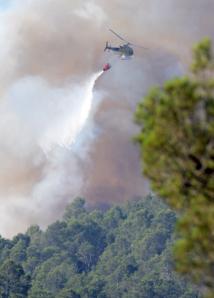 La lutte se poursuit contre les flammes: Un espoir sur le front des incendies en Espagne