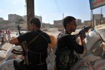 L'étau se resserre sur le régime syrien: De violents combats se poursuivent à Alep