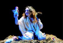 Une collaboration entre les compagnies Kaktus et Dabateatr: «Ana, Ntouma, Tou…» en représentation à Larache