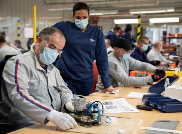 PSA redémarre progressivement ses usines