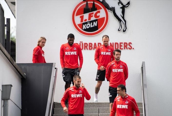 Dix cas de Covid-19 dans des clubs allemands