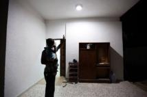 Des pauvres libyens fêtent le ramadan dans les décombres du QG de Kadhafi