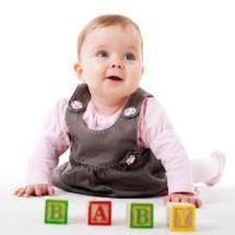 Des compétences cognitives similaires chez les enfants et les corvidés