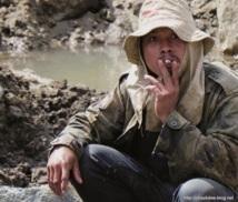 Sale temps pour les mineurs de saphir à Madagascar