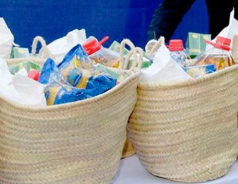 Distribution de paniers alimentaires à Rabat