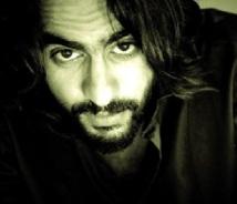 Fahd Benchemsi : «Je ne passerai pas derrière la caméra avant d'avoir roulé ma bosse en tant que comédien»