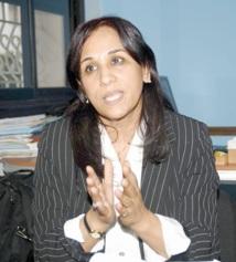 """Amina Bouayach, vice-présidente de la FIDH : """"La communauté internationale jugera le gouvernement sur son respect ou non des dispositions constitutionnelles"""""""