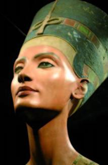 Vieux d'environ 3.400 ans : Berlin va célébrer le centenaire de la découverte du buste de Néfertiti
