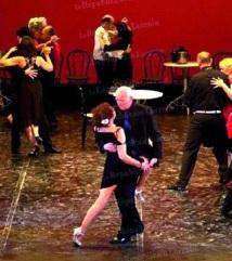 """Un couple argentin remporte le Mondial de Tango dans la catégorie """"salon"""""""