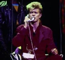 People : Une expo consacrée à David Bowie