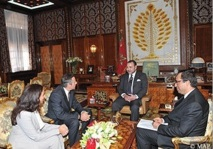S.M le Roi reçoit le président du groupe Bombardier Aerospace : Le troisième avionneur mondial atterrit à Casablanca