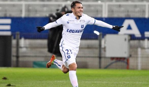 Hamza Sakhi prolonge à Auxerre