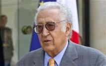 Les violences se poursuivent en Syrie: Le représentant de M. Brahimi  rencontre un chef rebelle à Homs