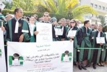 Après le sit-in de samedi, le temps est à la guerre des communiqués : Mustapha Ramid et les magistrats à couteaux tirés