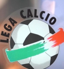 """Calcio, scandale des matches truqués : La police promet d'autres révélations """"sensationnelles"""""""