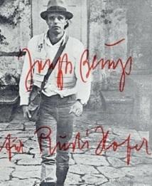 L'un des artistes majeurs de l'art contemporain du siècle dernier sur les cimaises de Venise Cadre : L'œuvre de Joseph Beuys exposée à Casablanca