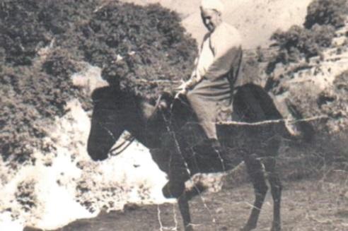 Cheikh Mohammed Himmi dans la vallée de Tifnout, environ en 1950 .
